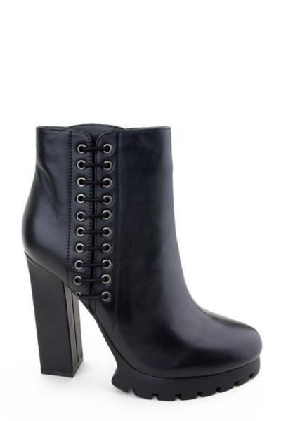 Стильные ботильоны на квадратном каблуке Basconi натуральная кожа черного цвета