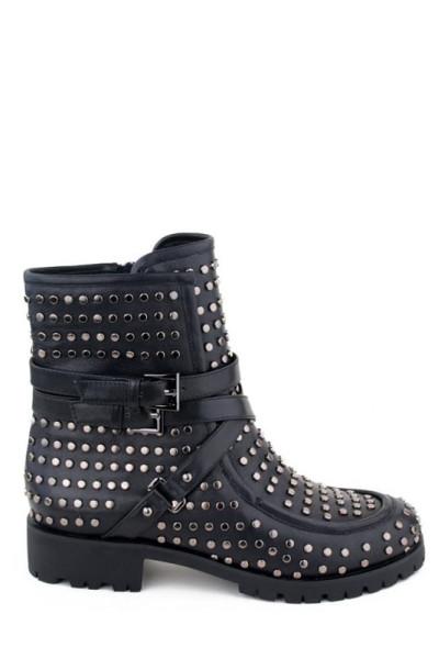 Брендовые женские ботинки черного цвета в заклепках
