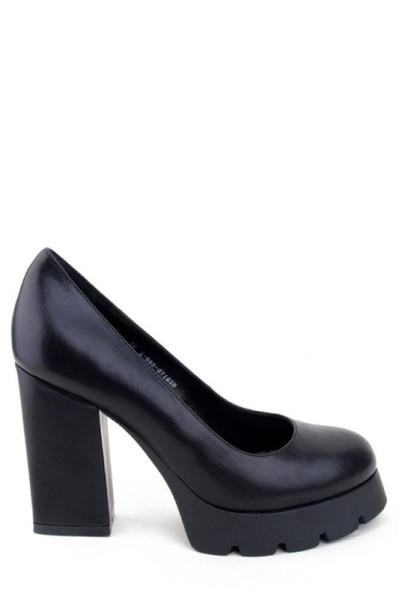 Туфли на толстом каблуке и тракторной подошве Basconi натуральная кожа черного цвета